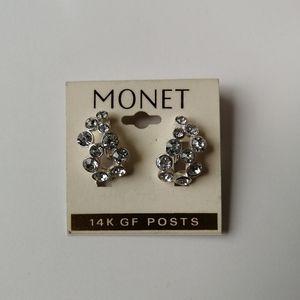Jewelry - Free earrings w $100+ purchase